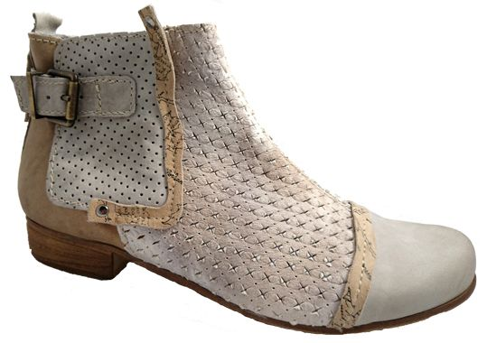 Ladies leather boots made in Italy