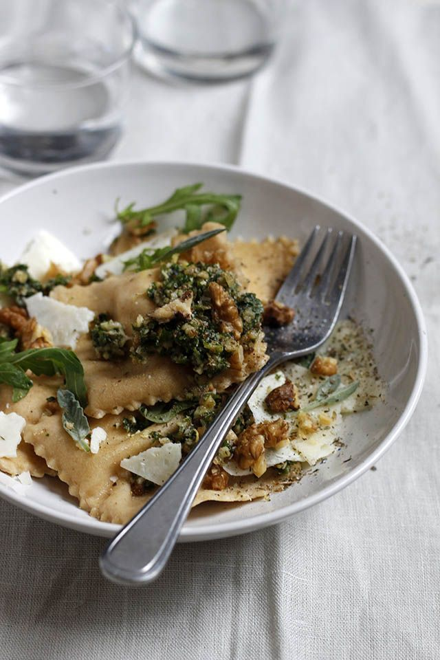 Making ravioli with ricotta and lemon