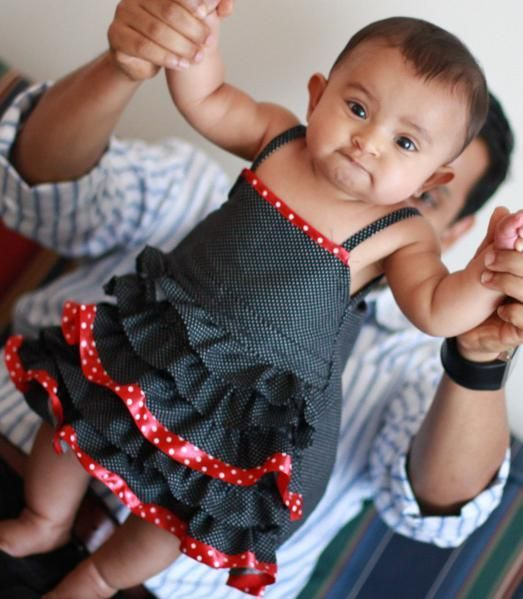 ruffle dress free patternRuffle Dress, Dresses Tutorials, Sewing Projects, Christmas Dresses, Ruffles Baby, Dewdrops Design, Ruffles Dresses, Baby Dresses, Dewdrops S Design