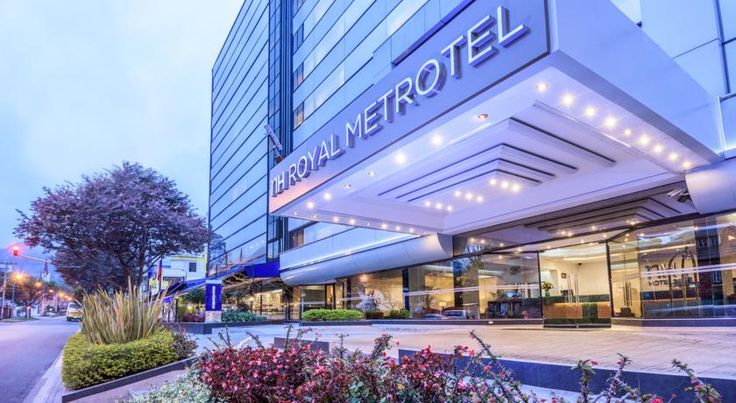 NH Royal Metrotel Bogotá NH Royal Metrotel offers accomodation with free WiFi in North Bogota, just 200 metres from the central business district. The Royal Park has a seafood restaurant with a terrace.