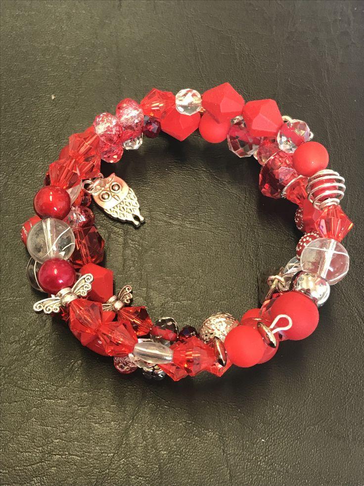 Bracelet rouge à mémoire de forme