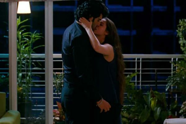 Arjun Kapoor and Sasheh Aagha sex scene in Aurangzeb