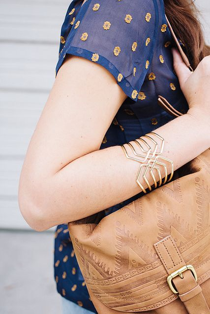 Love the leather tribal bagt!