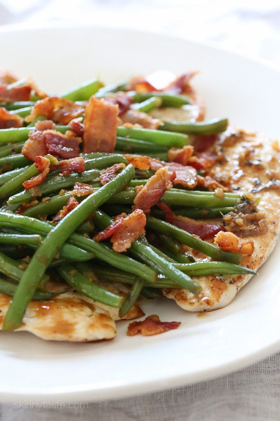 This quick and easy chicken dish is cooked in a white wine sauce with string beans and bacon, all in one skillet. You can modify this basic recipe using any veggies you like! Amazing Low Carb! So good!