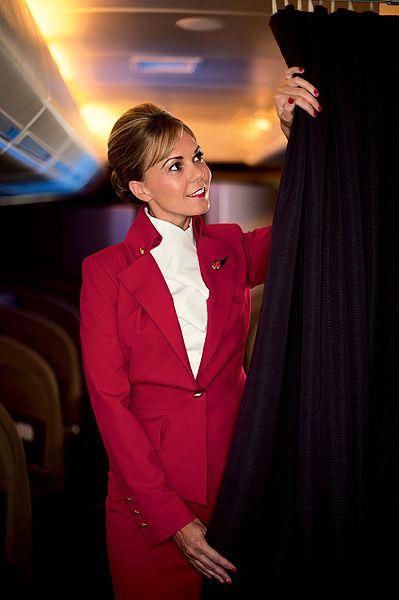 Высокие стандарты: стюардессы из разных стран мира | Публикации | Вокруг Света