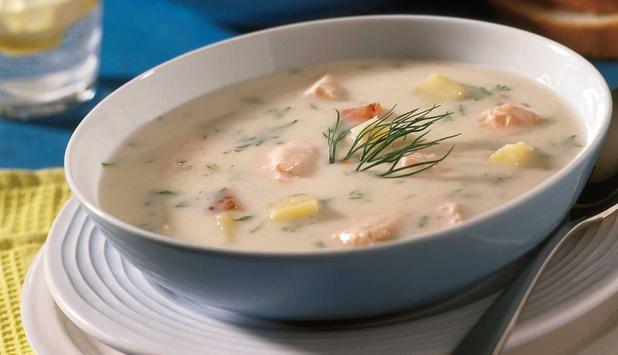 Denne oppskriften gir en fyldig og god klassisk fiskesuppe med blant annet laks, bacon og hvitvin. #fisk #oppskrift