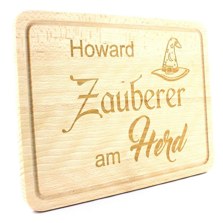 """Holz Schneidebrett - Grillbrett - Modell: Zauberer am Herd -   Das Brett wird mit Ihrem Namen oder persönlichen Wunschtext speziell für Sie graviert.  So wird es zu einem absoluten Unikat.  Abgerundet wird das Holzbrett mit dem gravierten """"Zauberer am Herd"""" Schriftzug sowie dem darüber liegenden Zauberhut.  #Küche #Schneidebrett #Holz #Buche #Geschenk #Gravur"""