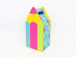 Geschenktasche für Einschulungsgeschenke, aus Fotokarton und ca. 12,5 x 26 x 10,5 cm groß