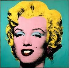 Marilyn.  Obra de Andy Warhol realizada en el año 1967 y perteneciente al estilo Pop-Art. EN ella el colorido intenso es la característica más importante.