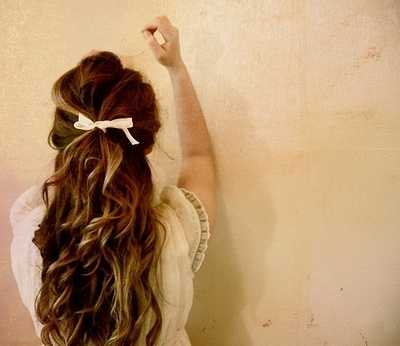 beautiful, but I can never get my hair to look messy and pretty at the same time :(
