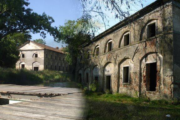 15 edificios abandonados em Portugal II...O Palácio da Azambuja situa-se na foz da Vala da Azambuja. Mandado construir pela Rainha D. Maria I, fazia as funções de estalagem e controlo de tráfego de passageiros e mercadorias que circulavam pela Vala Real, entre Lisboa e Constância