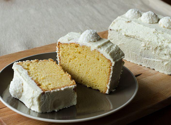 Κέικ πορτοκαλιού με λευκή σοκολάτα από τον Άκη Πετρετζίκη | GlikesSintages.gr