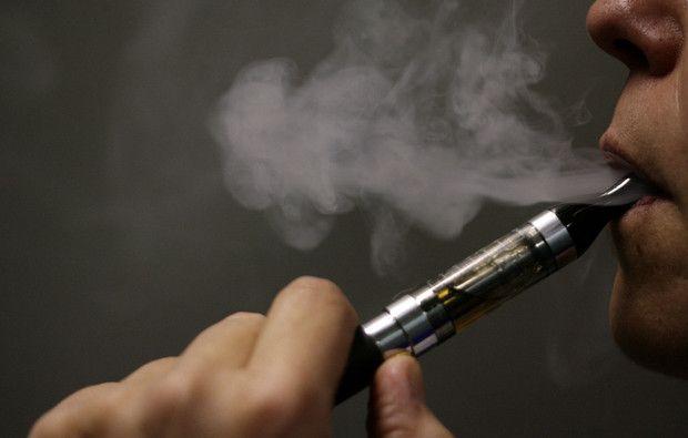 Cigarros eletrónicos recomendados oficialmente a quem quer deixar de fumar