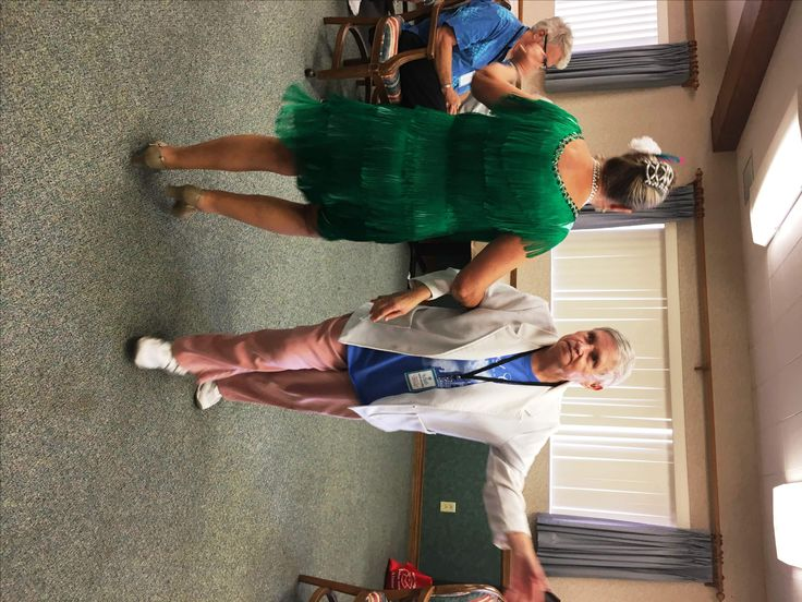 Senior Day participants love to dance! #SPSS #seniorcare #daycare #sandiego #bankershill #dance
