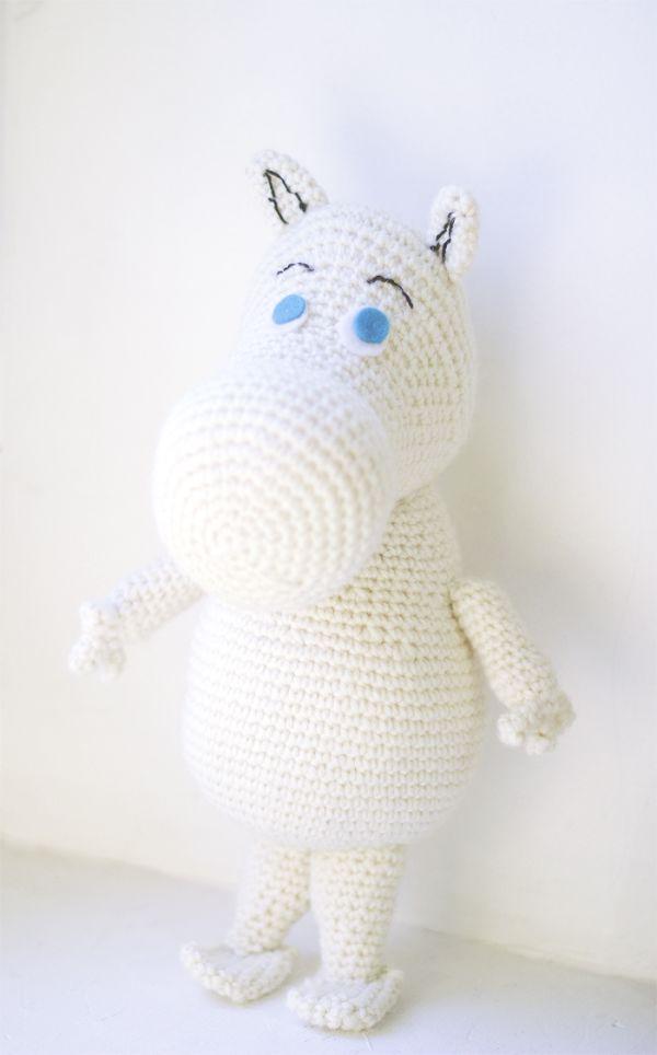Moomin Free Amigurumi Pattern - http://www.thesunandtheturtle.com/2013/11/moomin-free-amigurumi-pattern.html