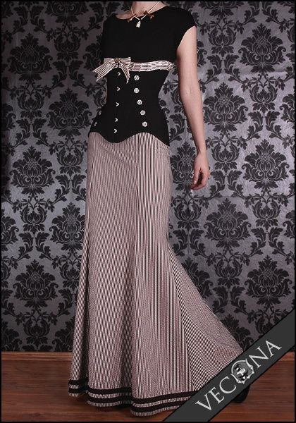 Love the skirt.  VECONA Collection /  Vintage steampunk