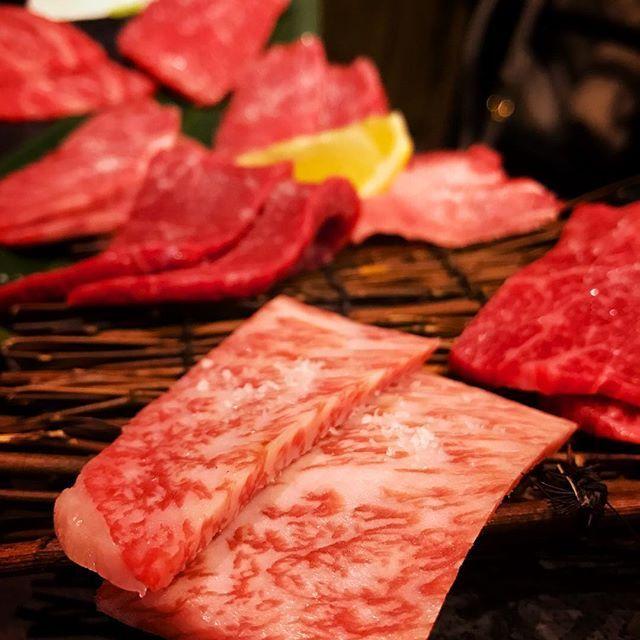 やきにくぅ。  #焼肉#溶岩焼き#肉#牛肉#和牛#霜降り#A5 たまには焼肉 焼きに行く。