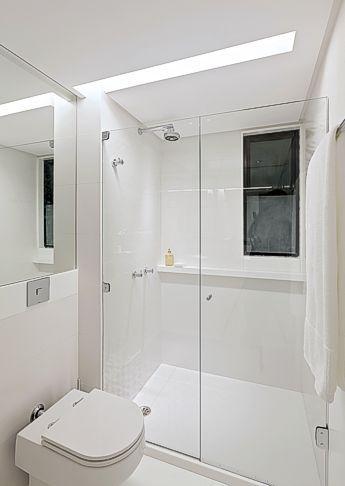 Banheiro tem pisos e revestimentos em nanoglass