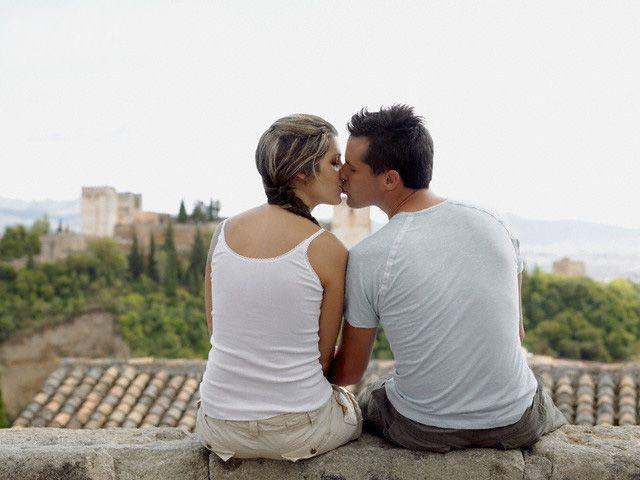 Wall Kiss @ www.wikilove.com/Wall_kiss