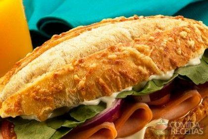 Receita de Sanduíche com catupiry em receitas de paes e lanches, veja essa e outras receitas aqui!