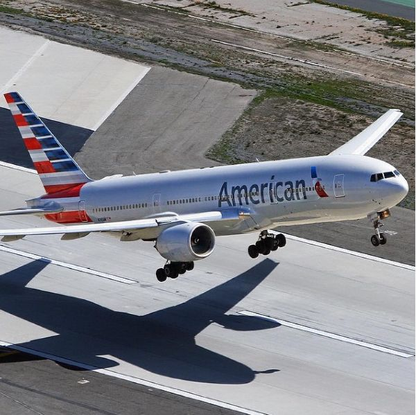 American Airlines jets out of LAX for the perfect photo! Tag your LAX pictures #tuesdaytakeoff for a chance to be featured. [PIC] : photo_taylor.brennan