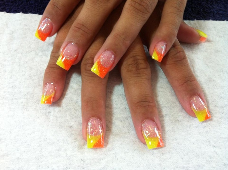 LOVE these  2 color nails