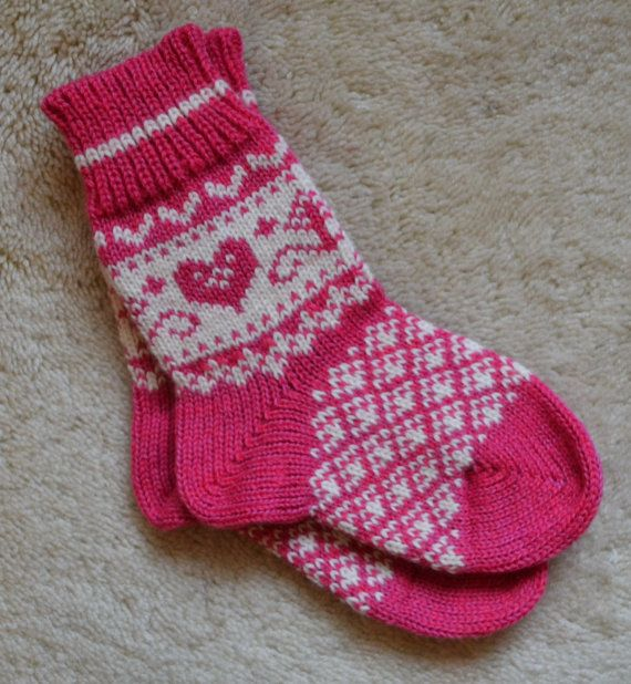 NORWEGIAN Scandinavian Hand Crafted 100% wool socks, kids, children, folk art, Fair isle, 6""