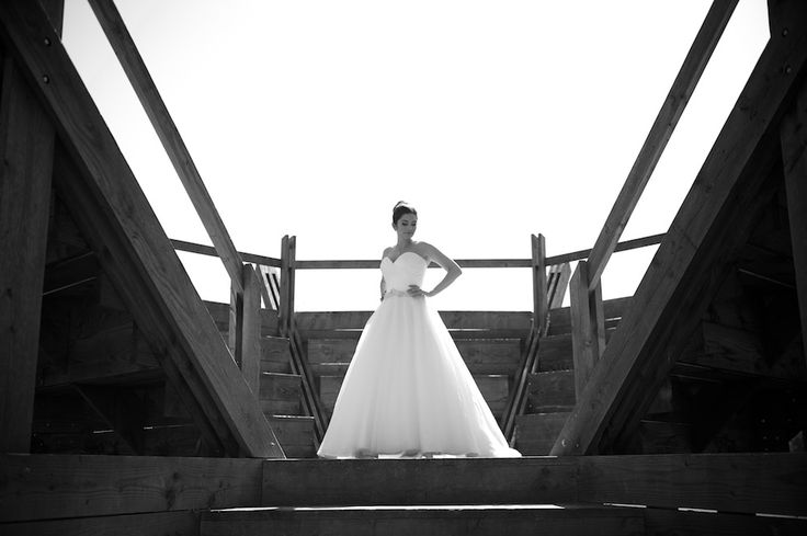 Beautiful Bride, Wedding Dress, Wedding Photography, staircase, Andrew_Franklin