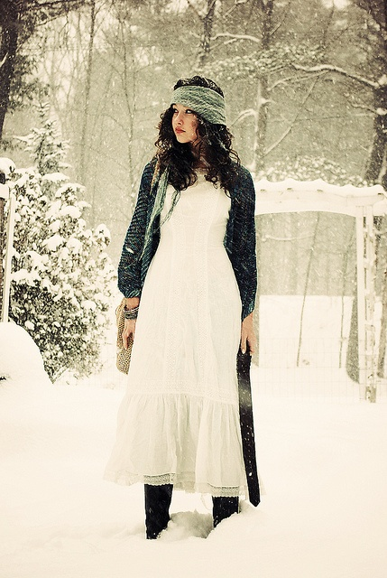 I WAS ON THE FRONT PAGE OF PINTEREST?! *faints* Best. Day. Ever.: Fashion Photography Snow, Gypsy Style, Outfit, Winter Wonderland, Limes Green, Vintage Scarfs, White Dresses, Gypsy Winter
