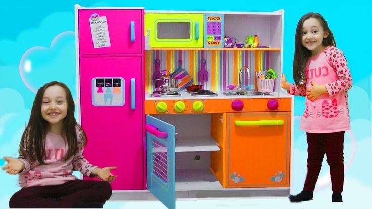 ÖYKÜNÜN KARNI ÇOK ACIKTI Kidkraft Kids Toy Kitchen   playtime