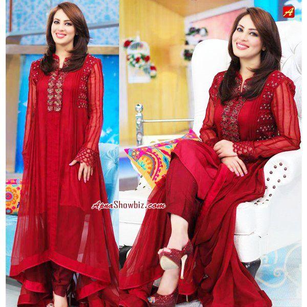 Farah at her morning show #Pakistan #Style #Fashion #Women #Farah #Shalwar #Kameez #ShalwarKameez #Highheel #sandle