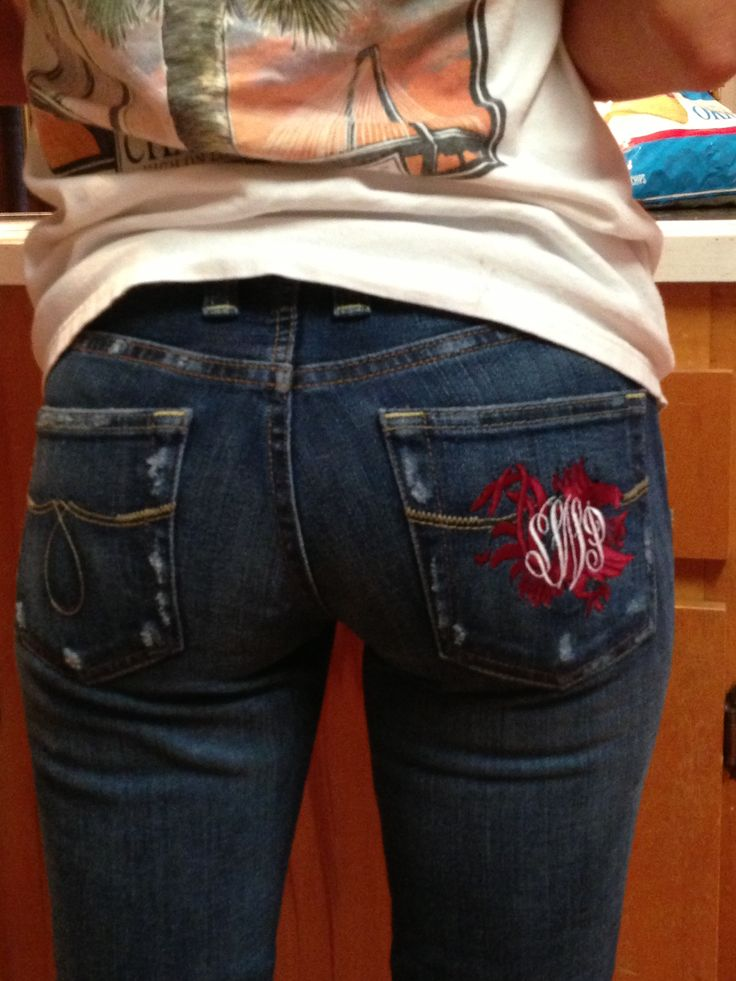 Carolina Gamecocks embroidered jeans...so cool. That's going to look good on a pair of my jeans :-)