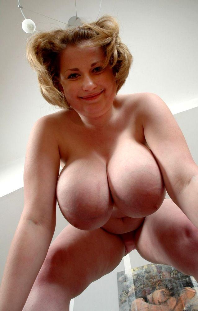 Horny.!., watching bozena in hot threesome droping 'Blacks