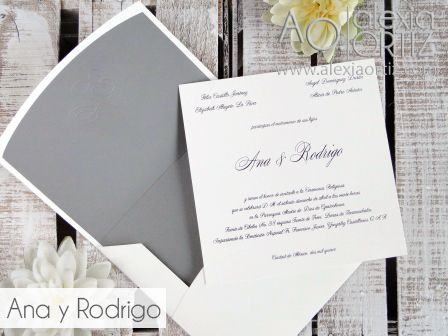 Invitaciones clásicas con sobre impreso en gris / invitaciones de boda/ wedding invitations