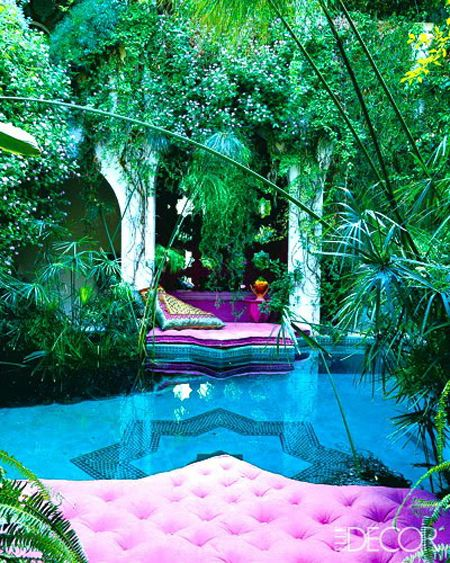 Stunning color, love the tropical theme. I imagine that it might be hard to keep the pool clean though.