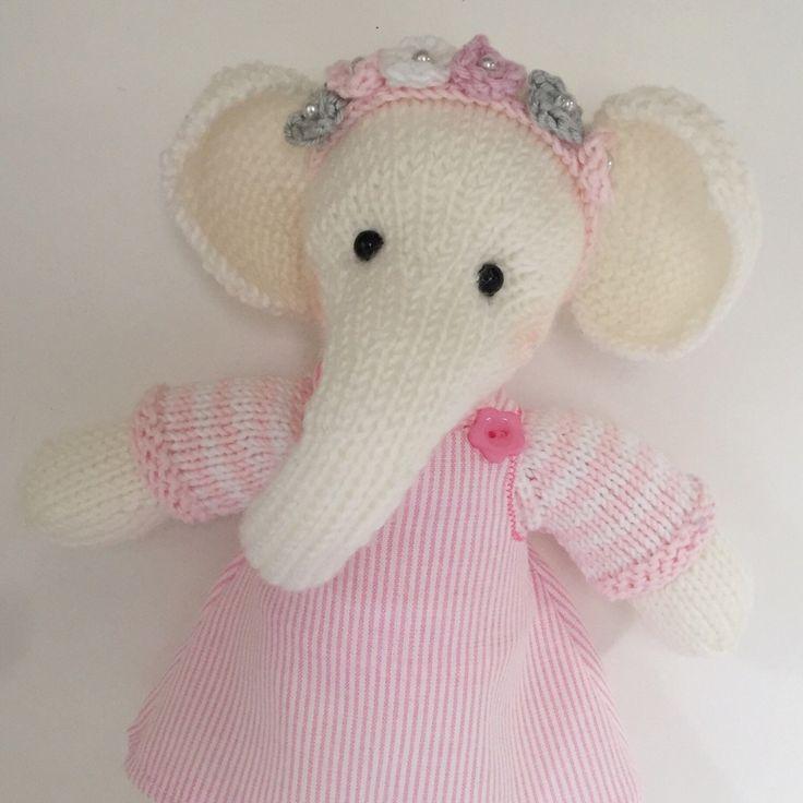 Ellie elephant has just arrived 🐘she's really cute