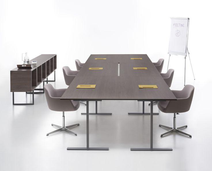 T-Leg table design by CMR