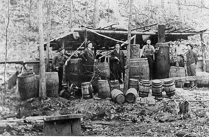 shine stills in appalachiaAmerican History, History Of Moonshine, Moonshine History, Apples Pies Moonshine, White Photos, Appalachian People, Copperhead Roads, Moonshine Still, Prohibition
