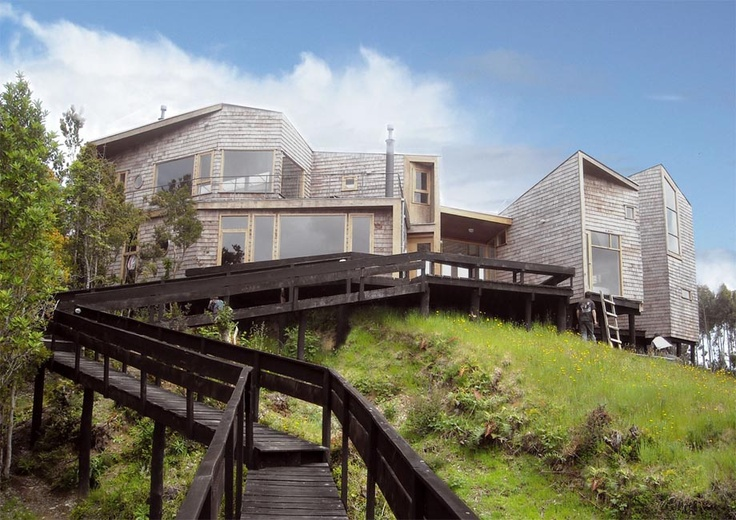 Koñimo House, Chiloé, Chile /      Eugenio Ortuzar+Tania Gebauer