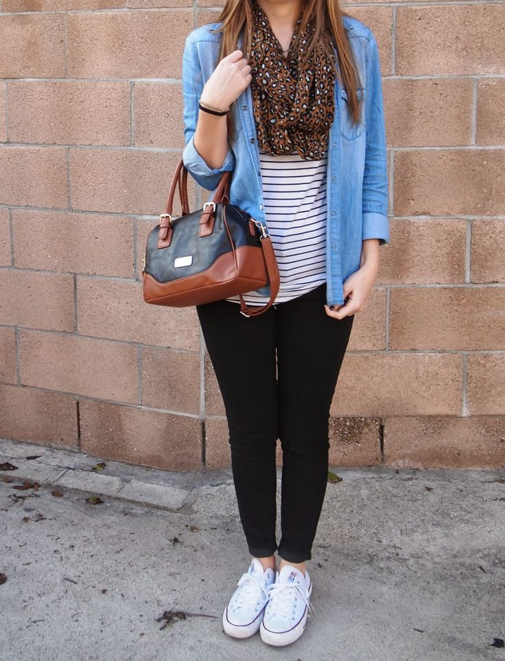 Exploring My Style blog. American Eagle chambray shirt worn over a striped tee, American Eagle hi-rise black jeggings, white converse sneakers, leopard scarf. Spring outfit, fall outfit. Chambray worn open over tee, layered look