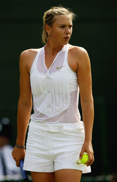 Maria Sharapova has some serious #style on the #Wimbledon courts, right?!