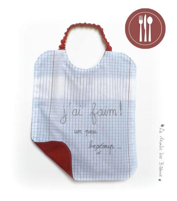 Bavoir de cantine en coton motif cahier d'écolier doublé coton rouge personnalisé avec écriture. Original fait main. : Mode Bébé par kore-and-co