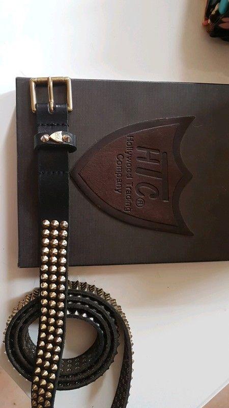 8ef1e1e0074d Ceinture HTC cuir noir clouté doré T 90 - Vends ceinture HTC cuir noir  clouté doré Fine. ..2 cm de largeur. .magnifique travail. T 90 . Livrée  dans…