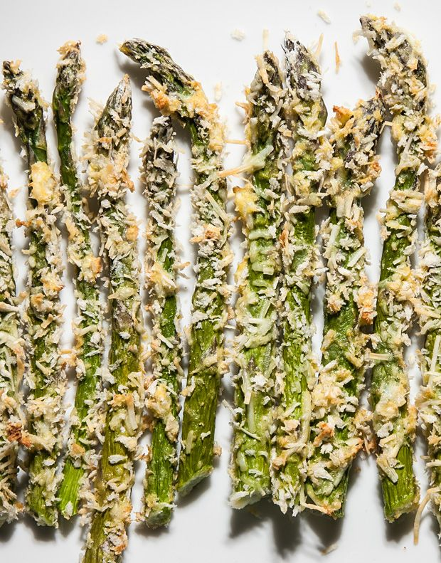 Since I'm still semi-skirting with easy-to-digest goodness, asparagus fries are on the menu as soon as fat stalks hit the market!