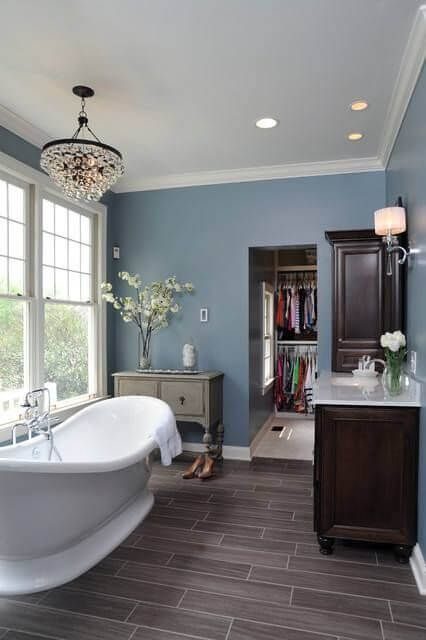 30 Innovative Bathrooms with Walk In Closets