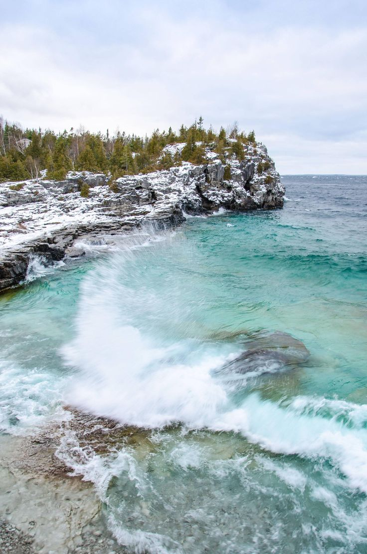 [OC] A stormy winter day in Bruce Peninsula National Park Ontario Canada. [32374887] #reddit
