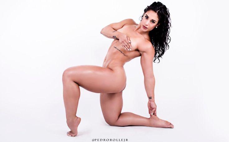 Wonder woman likes porn and likes jiftip