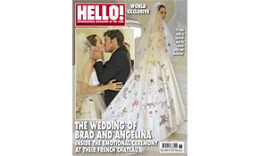 hello magazine photos brad and angelina's wedding | Brad Pitt and Angelina Jolie share their beautiful wedding photos with ...