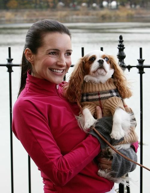 Charlotte York (Kristin Davis) and her dog on the show -  Elizabeth Taylor.  What a cute sweater on her!  (the doggie I mean)
