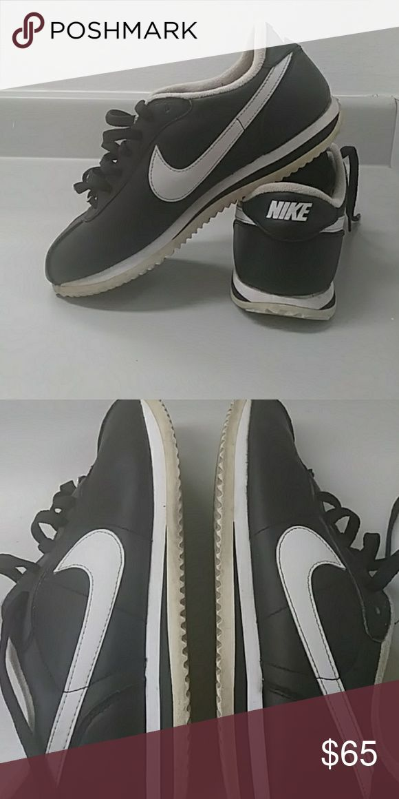 Classic Nike Cortez Nike cortez Black and white  Leather Size 7 in mens but would fit a womens 8 or 8 1/2 .  Used but in great condition! Nike Shoes